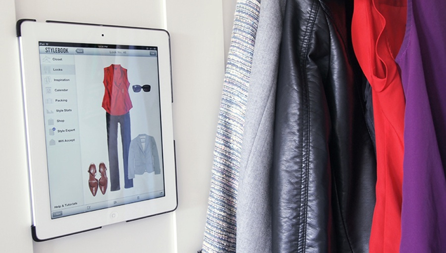 Ditch The Inspiration Cork Board And Make A Digital Closet Archive